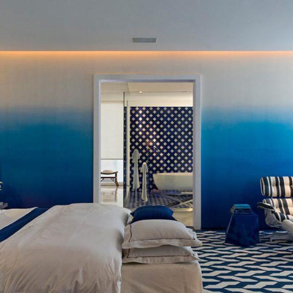 Pintura degradée, demais!! Dicas de cores para essa pintura, todas Suvinil: Céu de Verão, Opalina, Lagoa Azul, Azul Rei, Azul Royal e Arara Azul, do mais claro para o mais escuro!