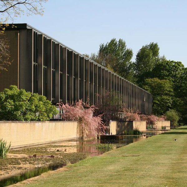 Saint Catherine School, em Oxford, Inglaterra, moderna e chique