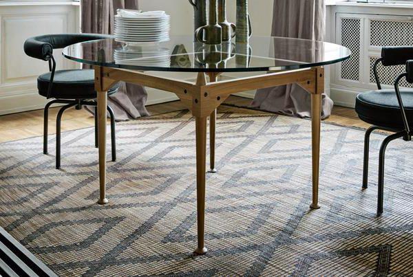 O mobiliário de Albini é elegante e de linhas simples