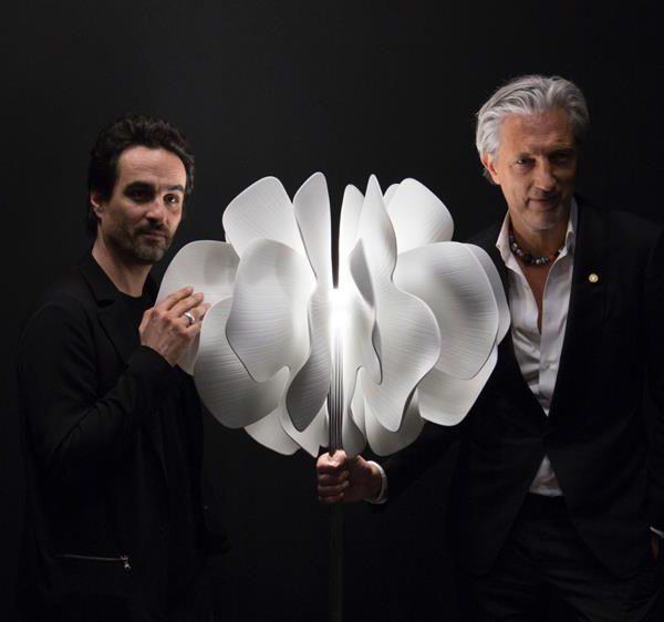 Gabriele Chiave e Marcel Wanders com a Lladró Nightbloom