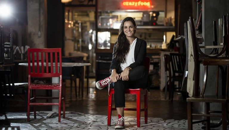 A talentosa/esperta/competente chef Renata Vanzetto