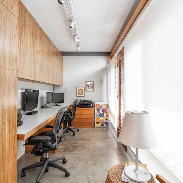 O corredor é outro lugar clássico e que pode ser utilizado como escritório