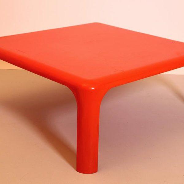 Demetrio, coffee table, desenhada nos anos 1970