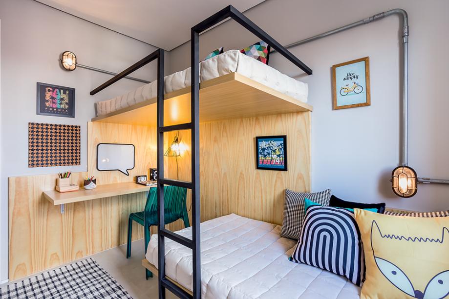 O projeto das arquitetas Viviane Saraiva, Adriana Weichsler e Daniella Martini, da Pro.a Arquitetos Associados é muito bacana. A madeira funciona como elemento estrutural e decorativo. Funcional e lindo