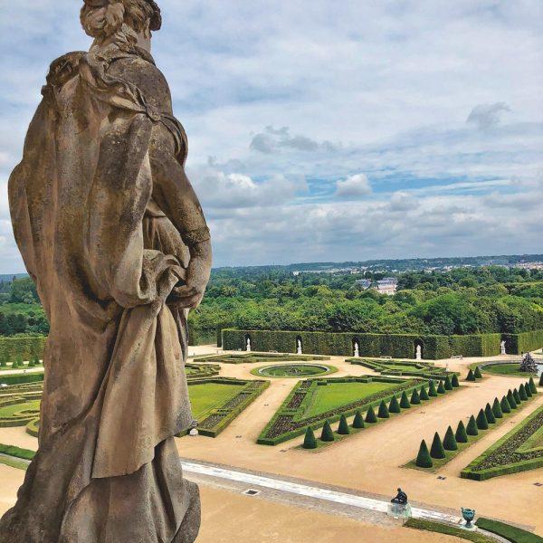 Vista dos famosos jardins de Versalhes, que cobrem 1.976 acres.